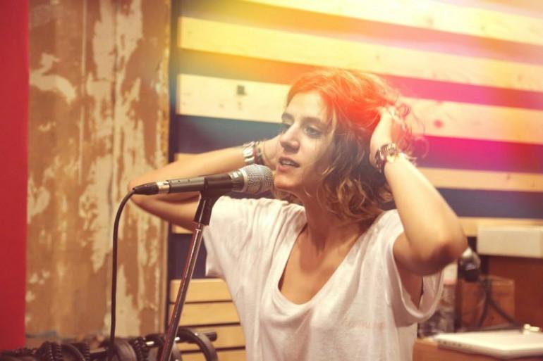 Joana Balavoine est chanteuse au sein du duo Gentle Republic