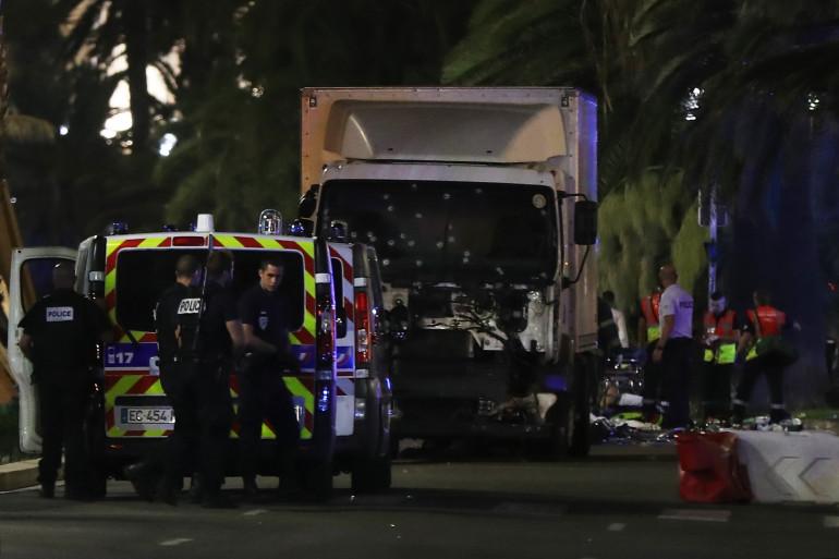 Un camion a foncé dans la foule sur la promenade des Anglais à Nice jeudi 14 juillet vers 22h40.