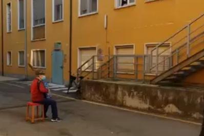 La vidéo de l'accordéoniste a été partagée des centaines de fois sur Facebook.