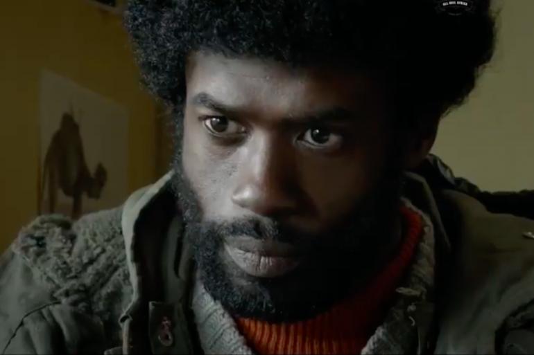 """Djedje Apali dans le rôle de Jimmy Larivière dans """"Le Gang des Antillais""""."""