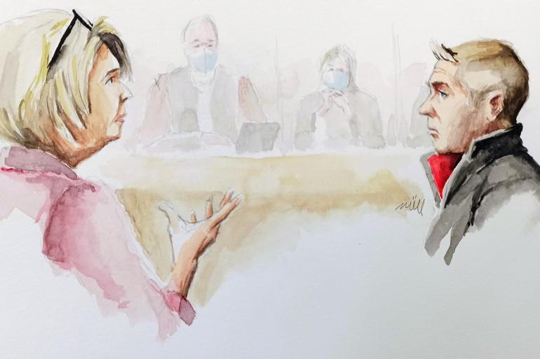 La mère d'Alexia s'adresse à Jonathann Daval, lors de son procès au palais de Justice de Vesoul (Haute-Saône), le vendredi 20 novembre 2020.