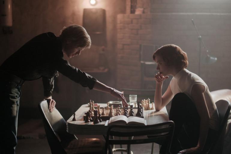 """""""Le Jeu de la Dame"""" est la mini-série la plus regardée de l'histoire de Netflix"""