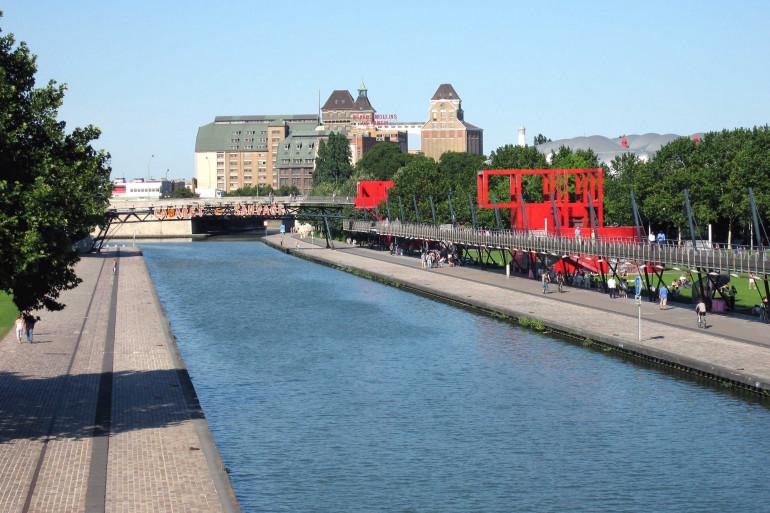 Le Canal de l'Ourcq au niveau du Parc de la Villette