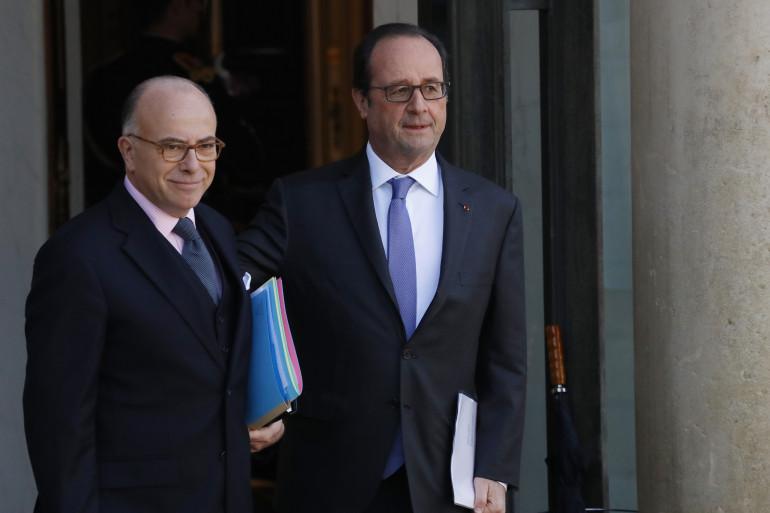 Bernard Cazeneuve et François Hollande, à l'Élysée en décembre 2016