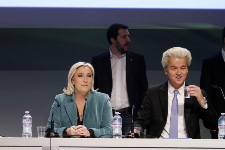 Le député néerlandais d'extrême droite Geert Wilders avec Marine Le Pen, le 29 janvier 2016 à Milan