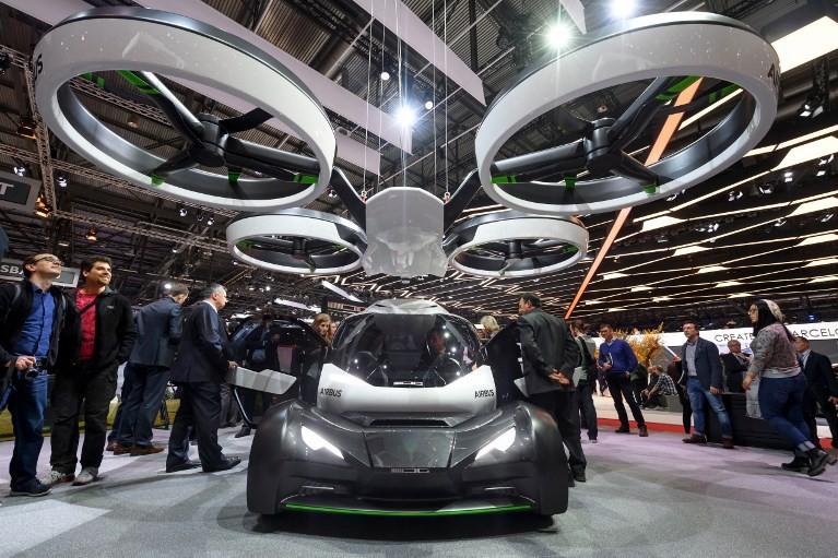 """La voiture volante """"Pop-Up"""" de Airbus."""