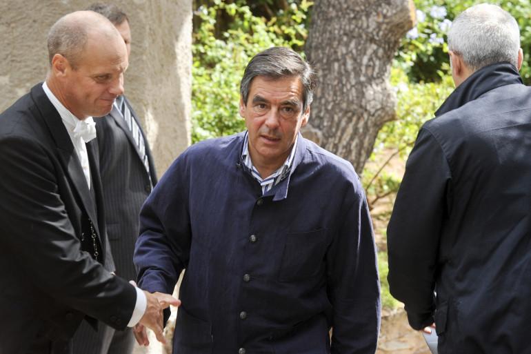 François Fillon portait déjà une veste de la marque Arnys en 2010, la Forestière.