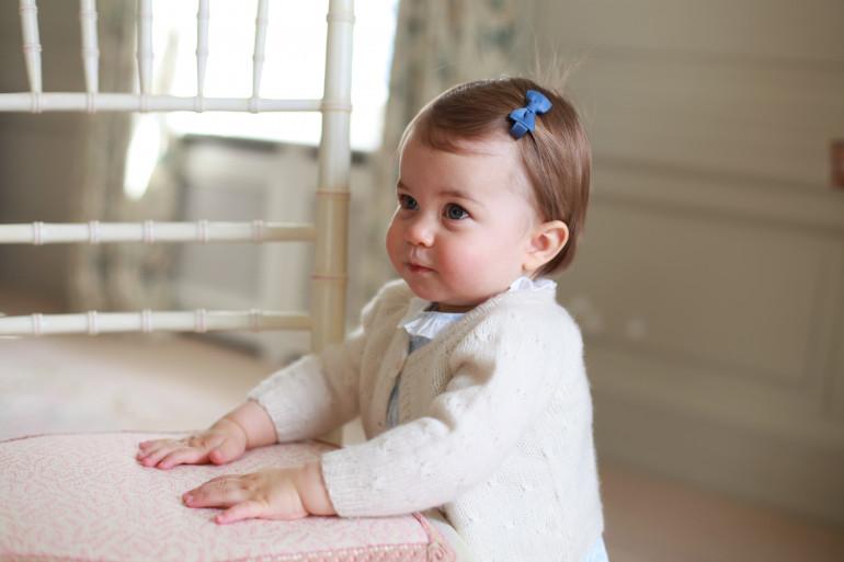 La princesse Charlotte immortalisée par sa mère Kate Middleton, en mai 2016
