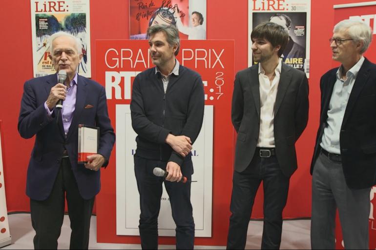 Tanguy Viel et le jury du Grand Prix RTL-Lire 2017 au salon Livre Paris
