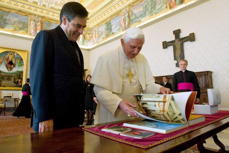 Le pape benoît XVI et François Fillon au Vatican le 10 octobre 2009.