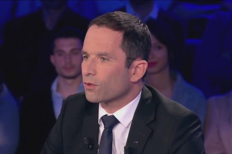 Benoit Hamon en interview dans On n'est pas couché, le 8 avril