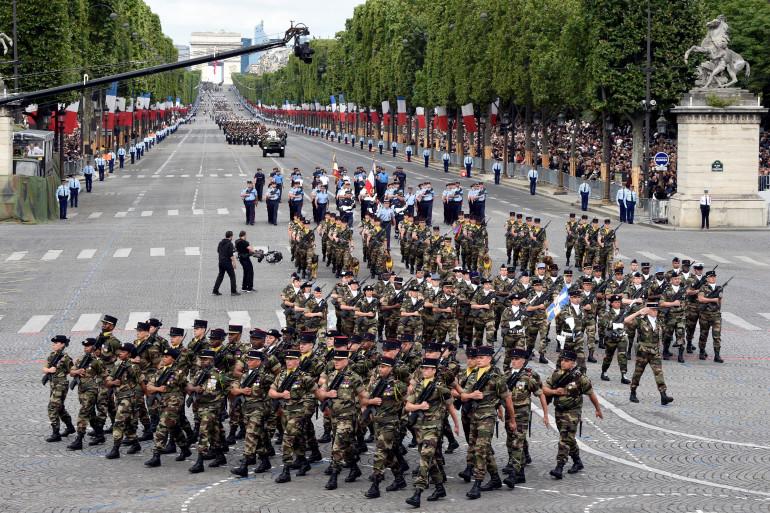 Des militaires du 24e régiment d'infanterie et de la réserve, le 14 juillet 2016 à Paris