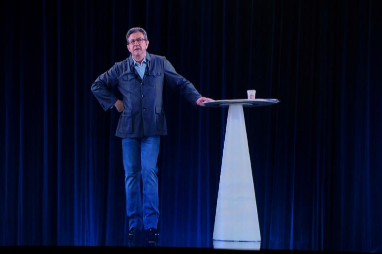 L'hologramme de Jean-Luc Mélenchon, lors de son meeting à Dijon le 18 avril 2017