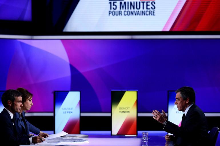 François Fillon, face à Léa Salamé et David Pujadas, jeudi 21 avril, sur le plateau de France 2