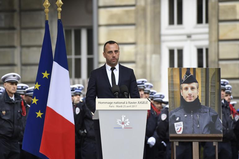 Étienne Cardiles, le conjoint du policier abattu sur les Champs-Élysées, lui rend hommage mardi 25 avril