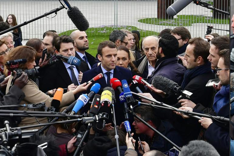 Emmanuel Macron et Marine Le Pen  à l'usine Whirlpool d'Amiens le 26 avril 2017