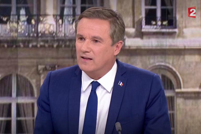 Nicolas Dupont-Aignan, sur le plateau de France 2 le 28 avril 2017
