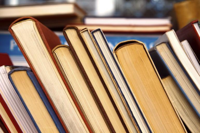 Une rangée de livres