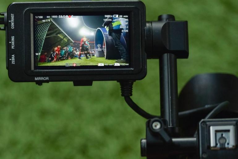 Un match de football de Ligue des champions filmé par une caméra (Illustration)