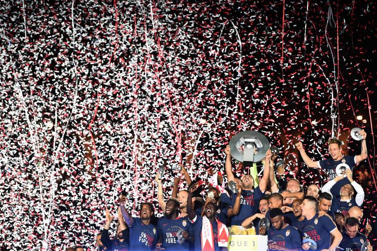 Les monégasques célèbrent leur titre de Champions de France, mercredi 17 mai.
