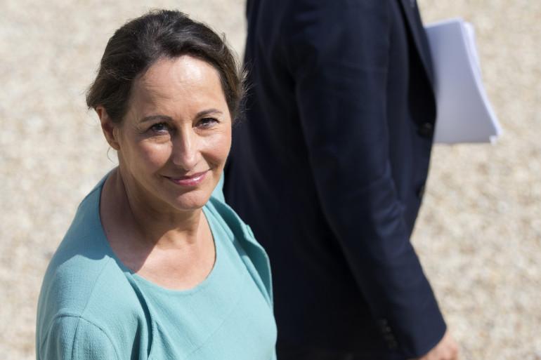 Ségolène Royal dans la cour de l'Élysée lorsqu'elle était ministre de l'Environnement