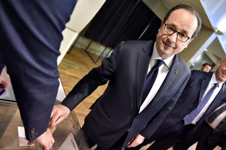 François Hollande a voté à Tulle en Corrèze pour le premier tour de la présidentielle