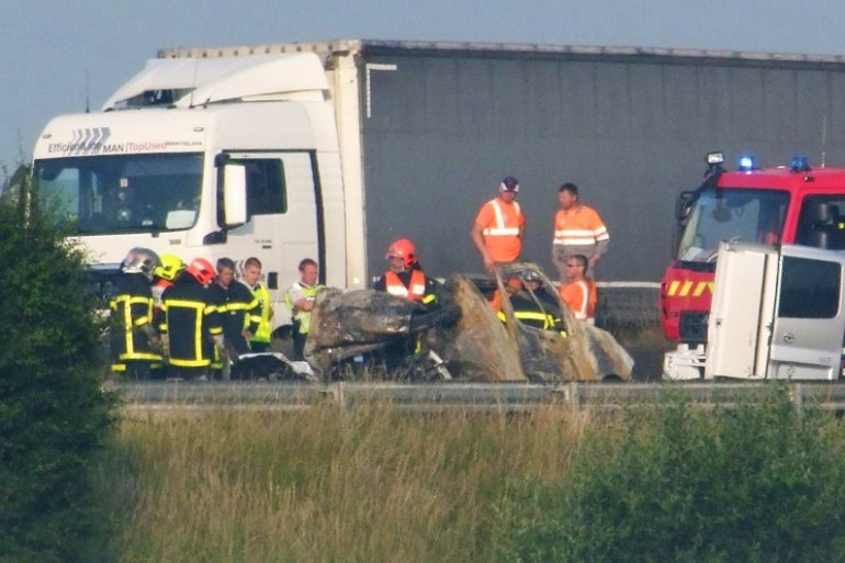 Accident mortel causé par un barrage de migrants sur l'A16
