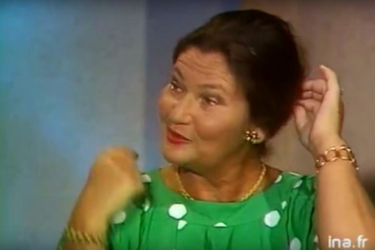 Simone Veil défait son chignon sur France 2 en 1986