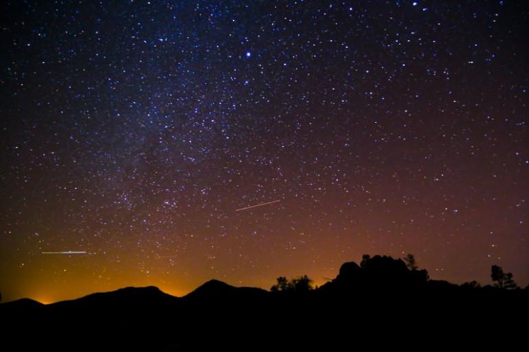 Une nuit étoilée (illustration)