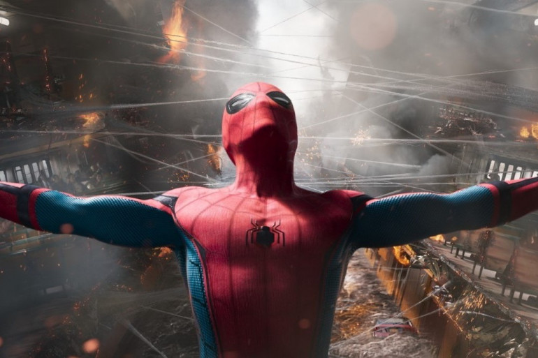 Posture christique pour Spider-Man