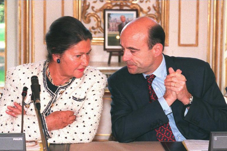 Simone Veil et Alain Juppé à Paris, le 12 mai 1997 (archives)