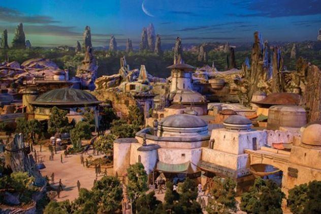 Les premières images de Star Wars Land