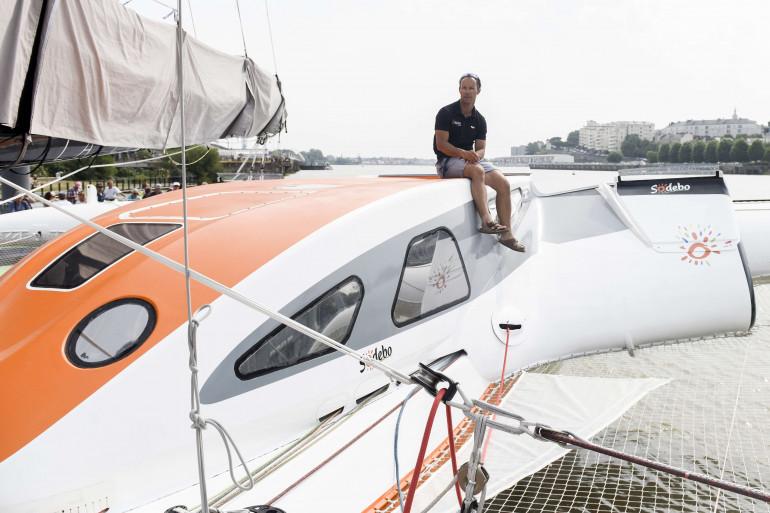 Thomas Coville sur son voilier le 25 juin 2017 à Saint-Nazaire.