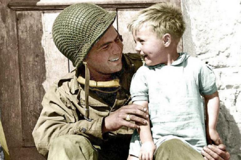Appel à témoin : l'enfant de la photo de 1944 identifié