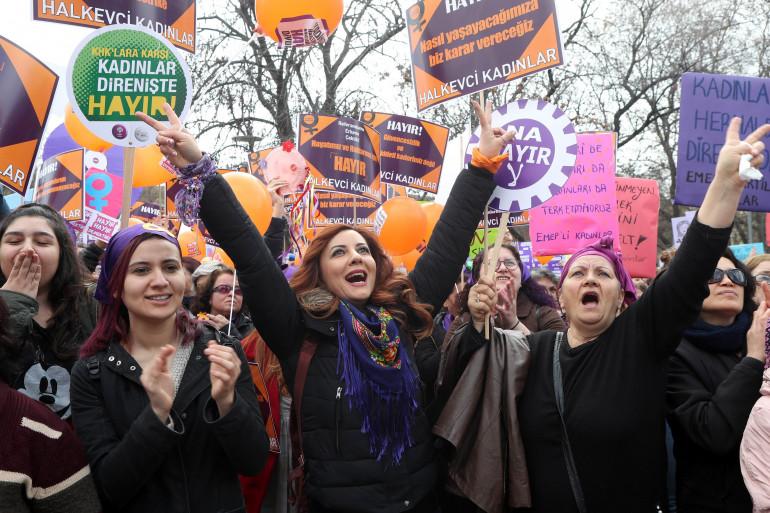 """En Turquie, les femmes ont défilé lors d'une """"Women's March"""", le 8 mars dernier"""