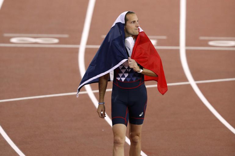 Renaud Lavillenie est arrivé à la troisième place du podium du saut à la perche mardi 8 août à Londres