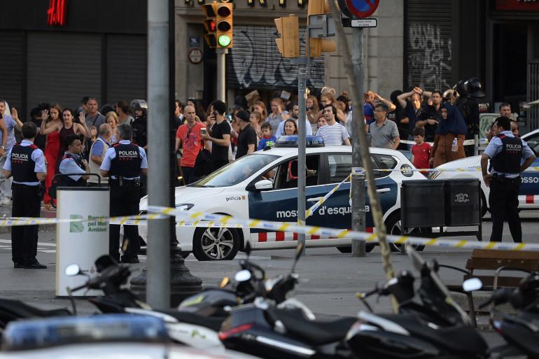 Les forces de police à Barcelone après l'attaque