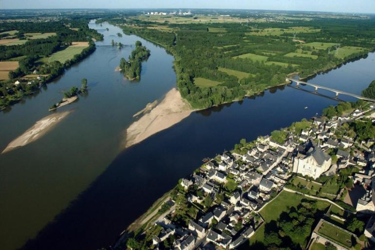 Une vue aérienne de la Loire et de la Vienne à hauteur de Candes-Saint-Martin, près de Chinon.