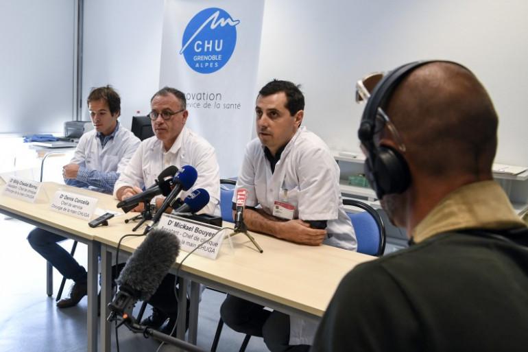 Des médecins du CHU de Grenoble ont procédé à une réimplantation de 2 bras au CHU de Grenoble