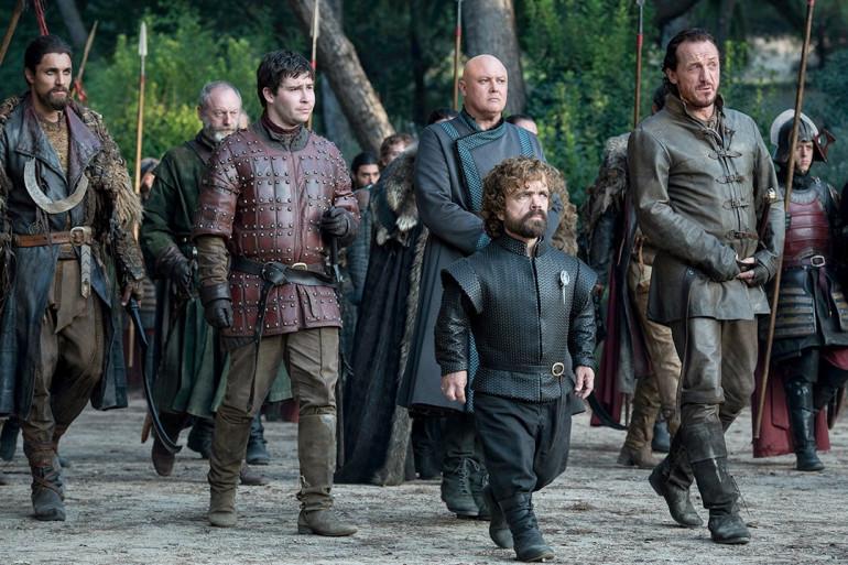 Tyrion, Bron, Varys et Podrick aux négocitaions