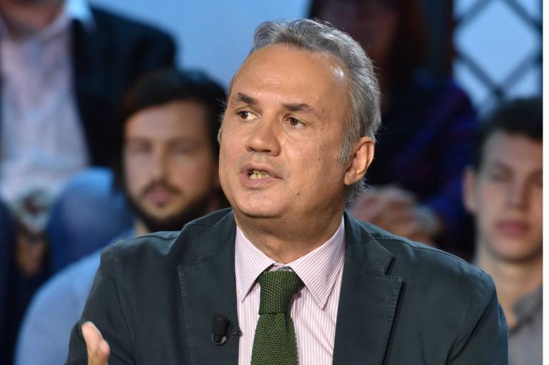 """Bruno Roger-Petit dans l'émission """"C Politique"""" en 2016"""