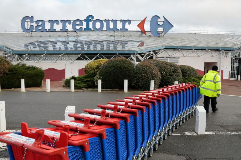 Le Carrefour de Villiers-en-Bière est le plus grand hypermarché de France.