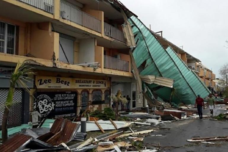 Un immeuble de Saint-Martin après le passage de l'ouragan Irma