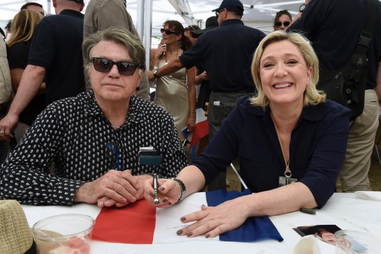 Gilbert Collard et Marine Le Pen, le 9 juillet 2016 dans le Vaucluse