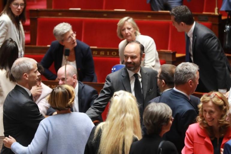 """Le premier ministre Édouard Philippe avec les """"Constructifs"""", le 26 juillet 2017 à l'Assemblée nationale"""