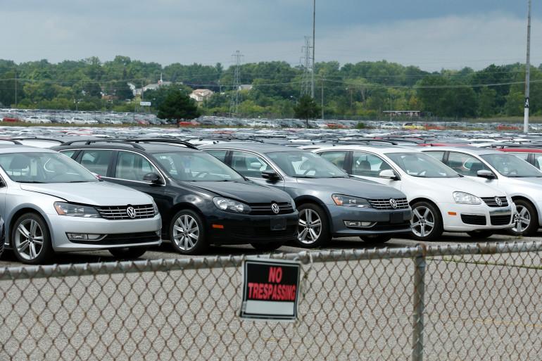 Des voitures Volkswagen et Audi retournées par les consommateurs aux États-Unis, en août 2017