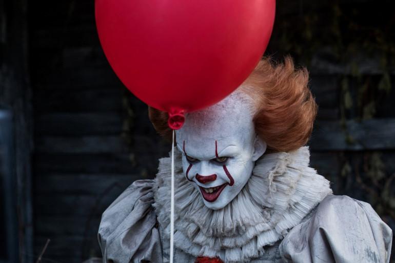 """Bill Skarsgård dans le rôle du clown de """"Ça"""""""