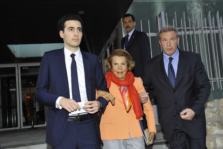 Liliane Bettencourt avec son petit-fils Jean-Victor Meyers, le 29 mars 2012
