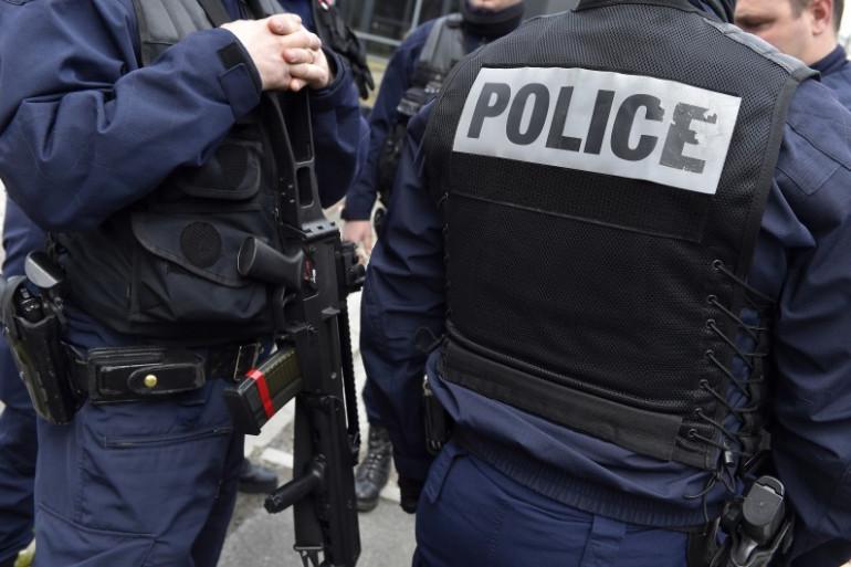 Des officiers de police (Illustration)