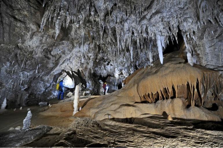 Une grotte (illustration)